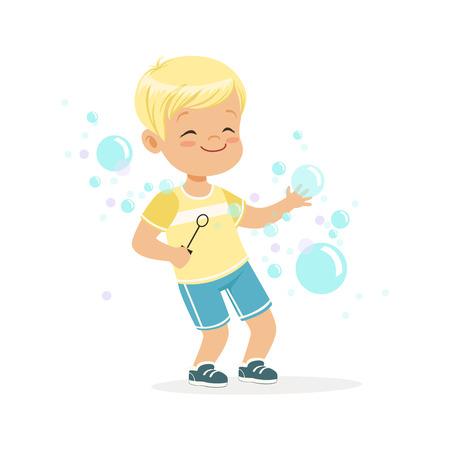 Schattige kleine blonde jongen spelen bubbels vector illustratie