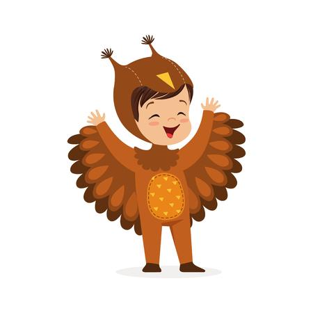 귀여운 행복 한 작은 소년 올빼미, 아이 카니발 의상 벡터 일러스트를 입고