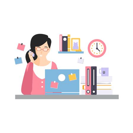 ブルネットの実業家キャラクターノートパソコンでコンピュータデスクに座り、電話で話をする、オフィスの従業員の日常生活のベクトルイラスト  イラスト・ベクター素材