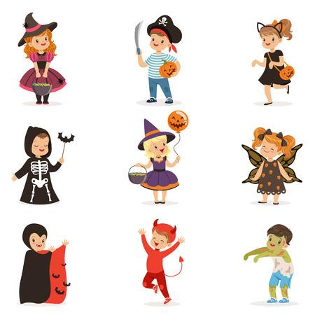 ute kleine kinderen in kleurrijke kostuums van Halloween set, Halloween kinderen trick or treat vector illustraties