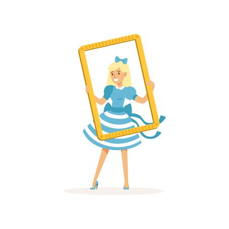 Actrice in blauwe retro jurk op zoek door frame