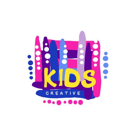 Kinderen creatieve kleurrijke ontwerpsjabloon, hand getrokken labels en badges voor kinderclub, centrum, school, kunststudio, speelgoedwinkel en andere projecten van kinderen vector illustratie