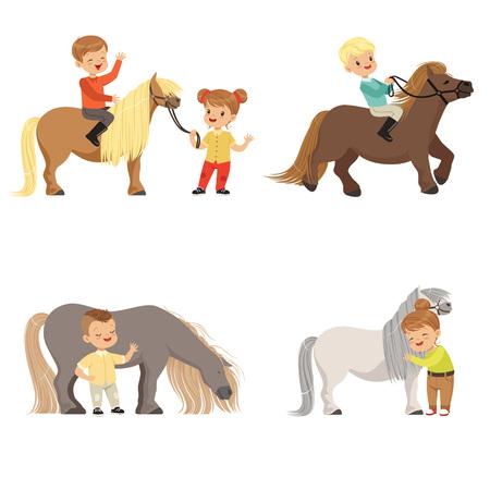 Grappige kleine kinderen rijden pony's en het verzorgen van hun paarden set, paardensport, vector illustraties