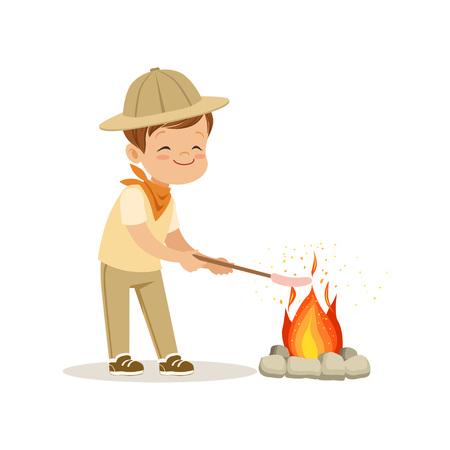 모닥불 모닥불, 야외 캠프 활동 벡터 일러스트 레이 션에 그의 마쉬 멜 로우 프라이드 스카우트 의상에 귀여운 꼬마