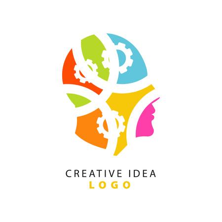 思考プロセス、創造的なアイデアのロゴテンプレートを示す抽象的な人間の頭と歯車。創造性メカニズムコンセプト。ベクトルを白で分離