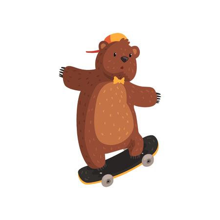Lustiger jugendlich Bär in der orange Kappe und in der Fliege, die kickflip Trick auf Skateboard tun. Extremsport. Cartoon wildes Tier mit braunem Fell, kleinen Ohren und Pfoten mit Krallen. Flacher Vektor Standard-Bild - 94142220