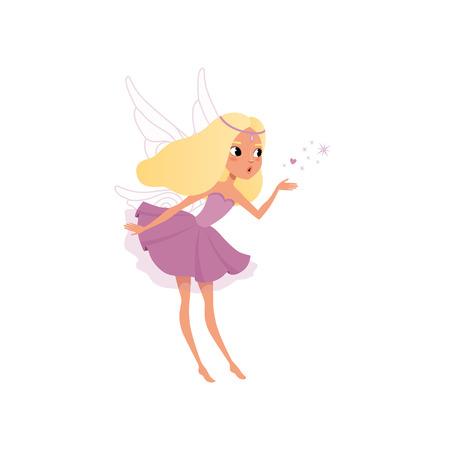 Fada bonito com longos cabelos loiros espalhando poeira mágica. Menina do duende no vestido roxo extravagante com asas. Pequena criatura mítica. Personagem de conto de fadas imaginário. Design de vetor plana isolado no branco.