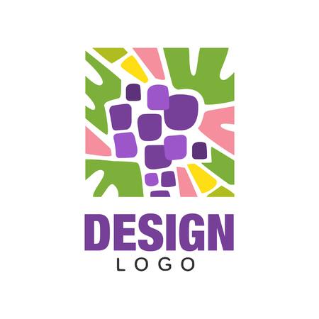 Emblema colorido com uvas roxas abstratas. Frutas orgânicas. Ícone de vetor plana em forma retangular. Design criativo para publicidade ou embalagem de produtos Foto de archivo - 94315821