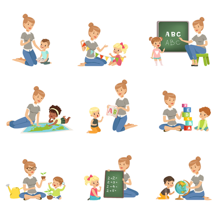 Lindos niños y niñas jugando y estudiando el conjunto, los niños estudian el alfabeto, geografía, biología, matemáticas en el jardín de infantes, vector de concepto de educación pre primaria ilustraciones Foto de archivo - 101618880