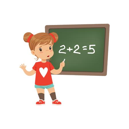 Piccola studentessa triste ha commesso un errore matematico stando in piedi vicino al vettore di lavagna illustrazione su sfondo bianco Vettoriali