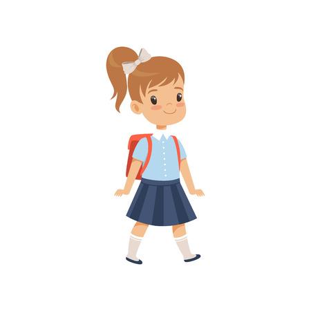 Linda chica caminando con mochila, alumno en uniforme escolar estudiando en la escuela vector ilustración sobre un fondo blanco