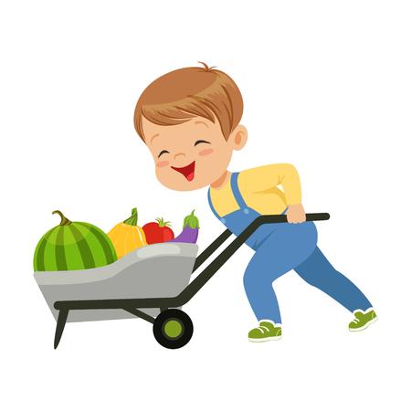 Schattige kleine jongen teken kruiwagen vol groenten vector illustratie duwen op een witte achtergrond