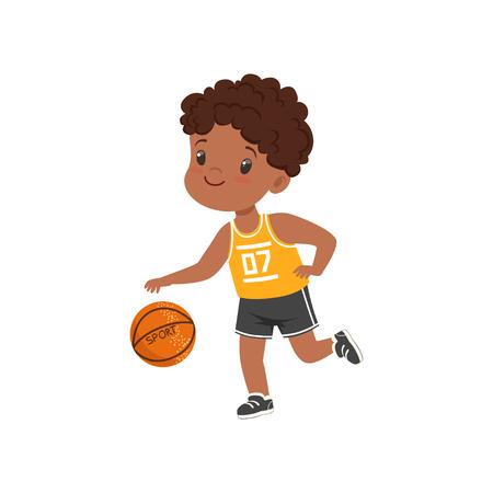 Netter kleiner Afroamerikanerjunge, der Korbbalken, Kinder-körperliche Aktivität-Konzeptvektorillustration auf einem weißen Hintergrund spielt
