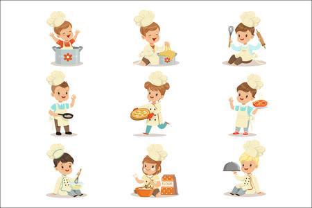 Niños pequeños en jefe Abrigo de doble pecho y sombrero de copa Cocinar comida y hornear Conjunto de personajes de dibujos animados lindos que preparan la comida. Niños cocineros y sus platos ilustraciones vectoriales.