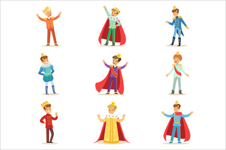Kleine Jungen im Prinz Kostüm mit Krone und Mantel Satz von niedlichen Kindern als Royals Illustrationen verkleidet