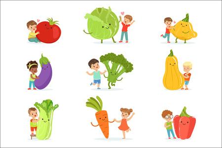 Nette kleine Kinder, die Spaß haben und mit großem Gemüse spielen, eingestellt für Etikettendesign. Gesundes Essen, Diät, vegetarisches Küchenkonzept. Detaillierte Vektorillustrationen der bunten Zeichentrickfiguren lokalisiert auf weißem Hintergrund Vektorgrafik