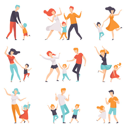 Genitori che ballano con i loro bambini insieme, bambini che si divertono con i loro papà e mamme vector illustrazioni isolate su sfondo bianco. Vettoriali