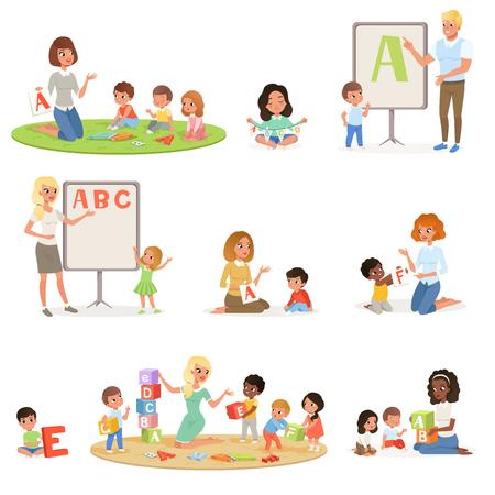 Conjunto de niños haciendo logopedia con profesores. Centro de desarrollo infantil. Letras del alfabeto para niños a través del juego. Concepto de juego educativo. Diseño de vector plano para cartel, flyer, folleto, infografía. Logos