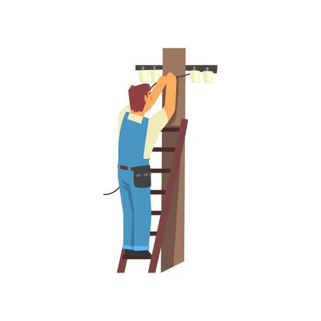 Electricista profesional de pie en la escalera de mano que repara el cable de la línea eléctrica, personaje de hombre eléctrico con un mono azul ilustración vectorial sobre fondo blanco.