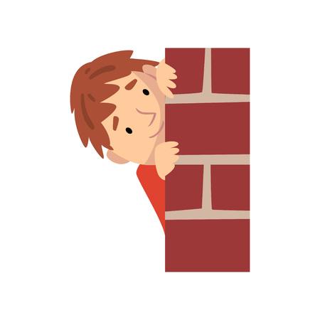 Niño escondido detrás de la pared de ladrillo y asomando la ilustración vectorial de dibujos animados sobre fondo blanco. Ilustración de vector