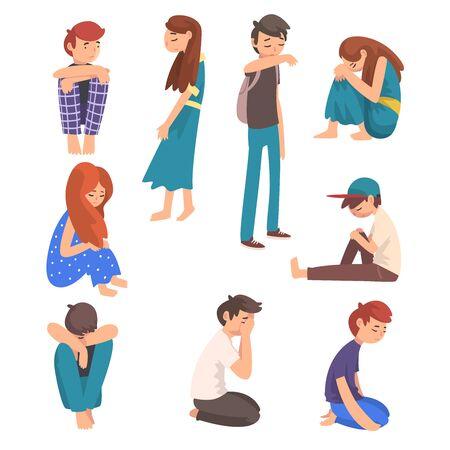 Conjunto de niños y niñas tristes infelices, adolescentes deprimidos, solitarios, ansiosos, abusados que tienen problemas, estudiantes estresados ilustración vectorial sobre fondo blanco.