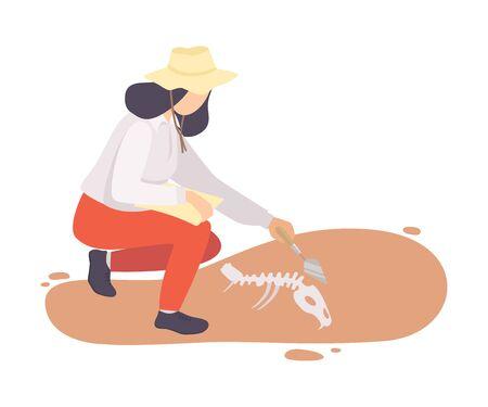 Archeologo femminile che spazza la sporcizia dalle ossa dello scheletro animale preistorico usando la spazzola, personaggio dello scienziato di paleontologia che lavora sugli scavi con l'illustrazione piana di vettore di manufatti storici