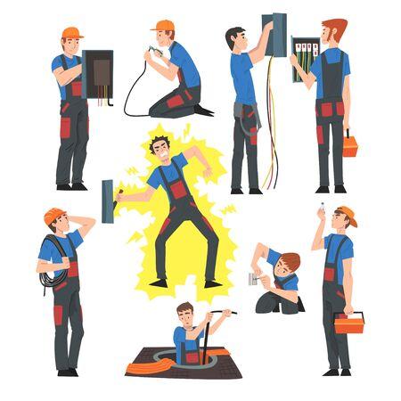 Ingenieros eléctricos masculinos que reparan y operan equipos eléctricos, personajes de trabajadores de servicio de mantenimiento de electricidad en uniforme y gorra estilo de dibujos animados ilustración vectorial aislado sobre fondo blanco.