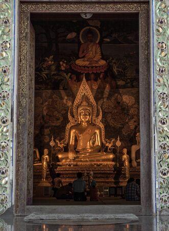 Buddha statue Stock Photo - 16920270