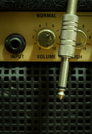 amplified: image of amplifier and cable to closeup