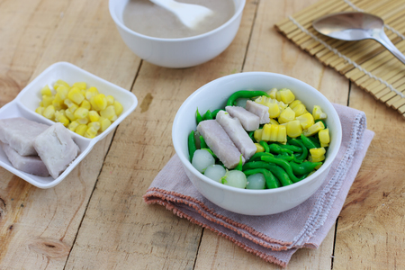 thai noodle: Thai Coconut Noodle Dessert  with taro and corn(Lod Chong) Stock Photo