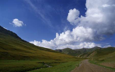 tien shan: Mountain road (Tash Rabat, Tien Shan)