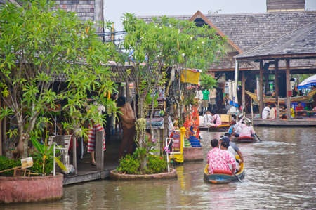 cruise boat travel in the See Pak floating market, Cholburi, Thailand photo