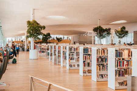 Helsinki, Finland - July 1, 2019: modern interior of The Helsinki Central Library Oodi, public library in Helsinki. Banque d'images