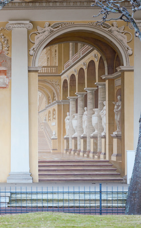 palacio ruso: ST.PETERSBURG, RUSSIA - MARCH 29, 2016: Painted wall in Pavlovsk Palace Russian Imperial residence in Pavlovsk, suburb of St. Petersburg.