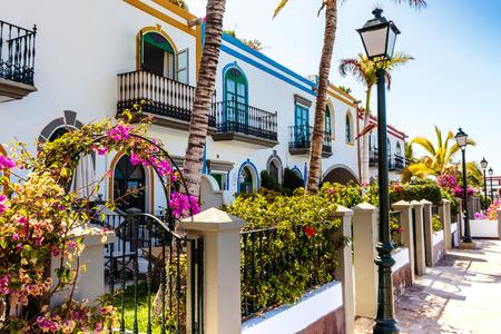 Ciudad colorida de Puerto De Mogan. Gran Canaria, Islas Canarias, España.