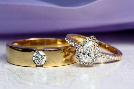 Coppia anello di diamanti Archivio Fotografico - 80002139