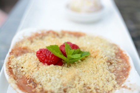 apple crumble: Apple Crumble Dessert