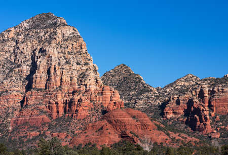 Capital Butte also known as Thunder Mountain is one of the many red rock formations around the Sedona Area. Standard-Bild