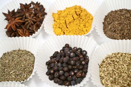 dried spice: Varias especias secas