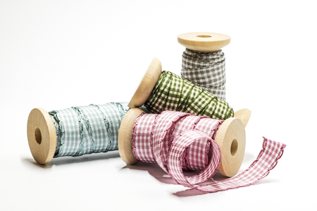 pattered: Spools with checked ribbons