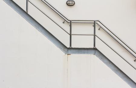Feuerleiter an der Seite des Gebäudes