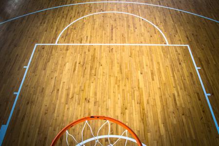 houten vloer basketbalveld indoor