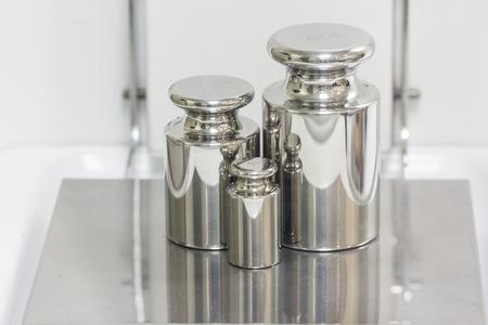 balanza de laboratorio: peso en la balanza electr�nica