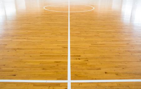 나무 바닥 농구 코트
