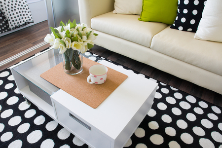 Modern interior decorated with flowers Imagens