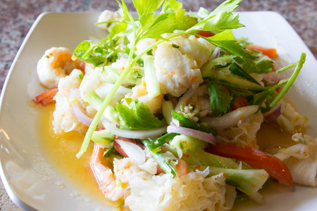 quid: delicious spicy seafood thai food