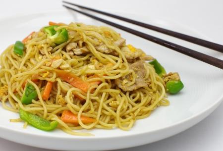 plat chinois: Nouilles chinoises saut�es Banque d'images