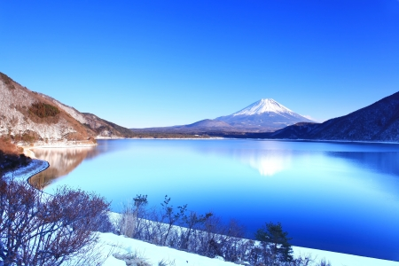 Mountain Fuji in winter  Stock Photo - 17854058