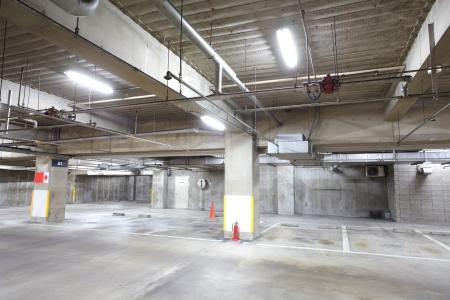 Lege parkeerplaats gebied Redactioneel