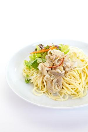 pasta de espaguetis con ensalada verde Foto de archivo - 19713391